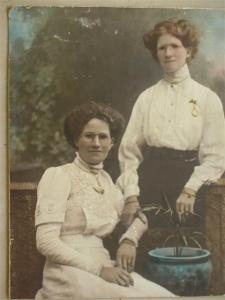Isabel Williamson (Grandma) & Sister Photos nee Baulch 006